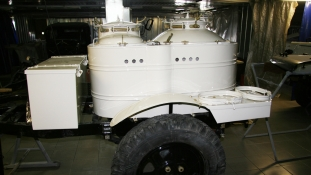 ГАЗ 69А с полевой кухней